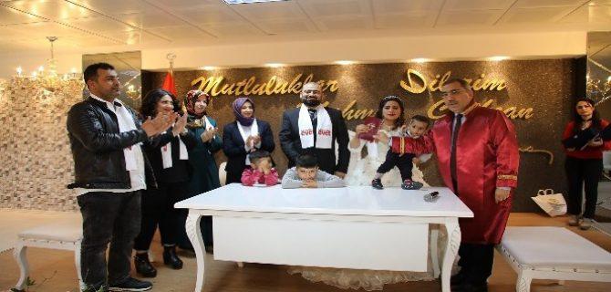 Başkan Çelikcan nikah kıyıp 'Evet' sözü aldı