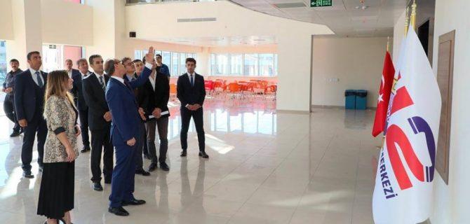 Vali Yavuz, 112 Acil Çağrı Merkezi'nde İncelemede Bulundu