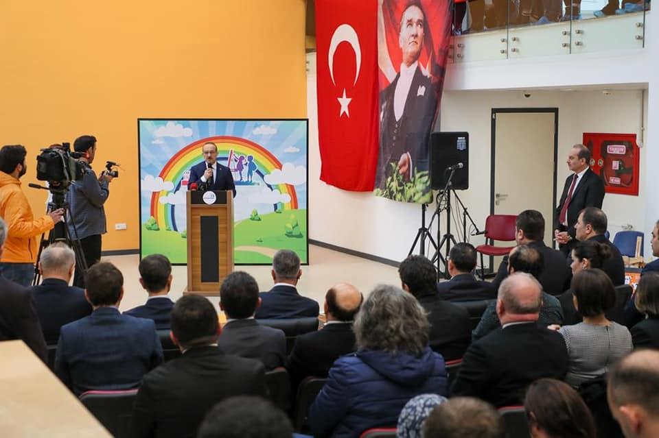 """Vali Yavuz, """"Okul Öncesi Dönemdeki Çocukların Eğitimi Son Derece Önemli"""""""