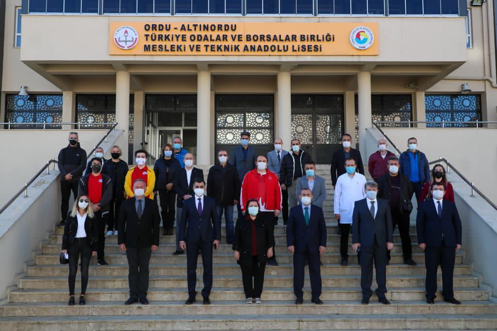Vali Sonel, TOBB Mesleki ve Teknik Anadolu Lisesi'ni Ziyaret Etti